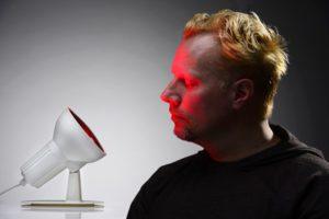 Infrarotlampe gegen Pickel und Akne richtig einsetzen